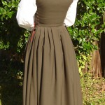 Green_brown_woolkirtle_Back