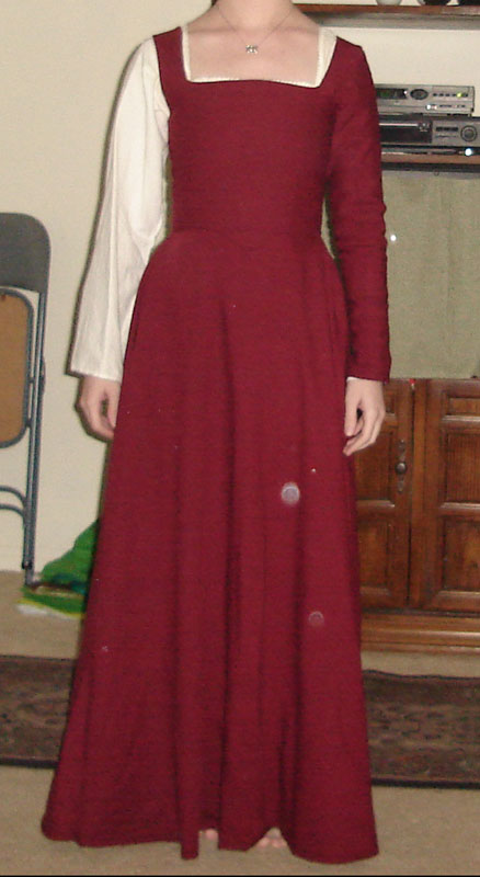 A Red Wool Kirtle - Centuries-Sewing