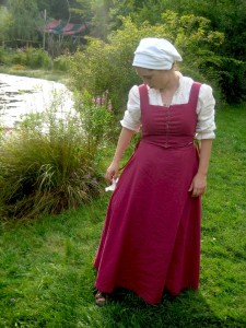 Pink Linen Kirtle Front